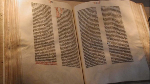 gutenberg_bible_79498400
