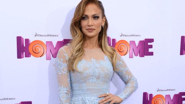 Jennifer-Lopez--pe-covorul-rosu--alaturi-de-gemenii-ei--Vezi-cat-de-adorabili-sunt-