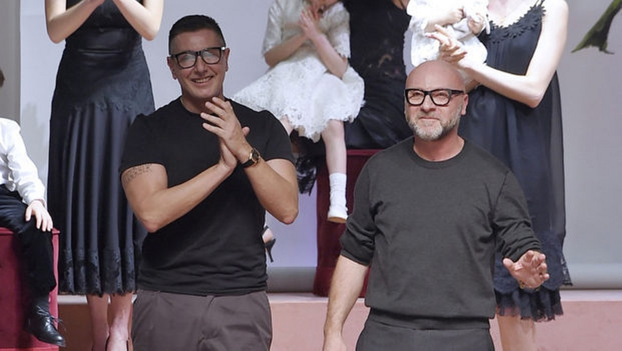 Stefano-Gabbana-il-numeste-pe-Elton-John-ignorant-Scandalul-declansat-de-Dolce-Gabbana-ia-proportii-_1280x723
