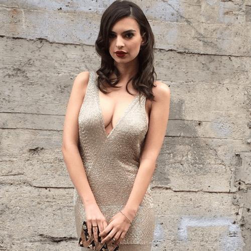 femeia-cu-cel-mai-frumos-bust-natural-s-a-lasat-fotografiata-doar-in-lenjerie-intima-cat-de-sexy-este