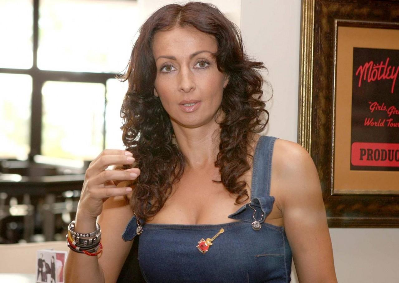Mihaela Radulescu, facuta praf in public!