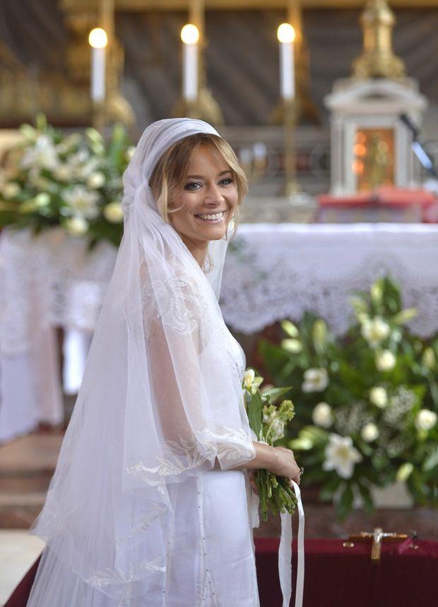 Laura Cosoi Le Face Un Cadou Fanilor Poze Inedite De La Nunta Sa