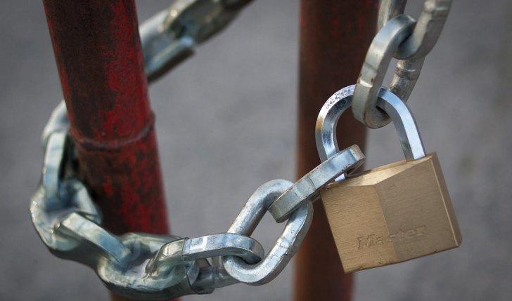 padlock1lacat_45842600