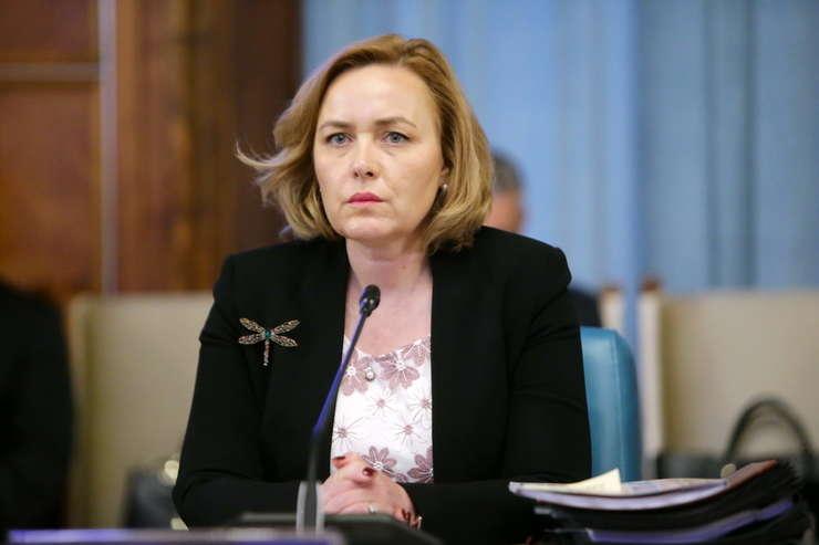 Vezi ce spune Carmen Dan despre parlamentari care au votat legea privind identitatea de gen