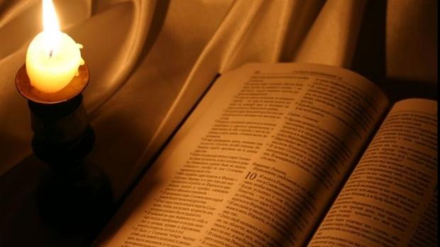 biblia_44236900