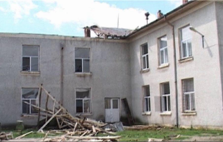acoperis scoala distrusa grindina