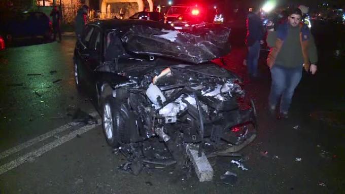 Accident în lanț în Capitală: 4 mașini avariate și o tânară internată