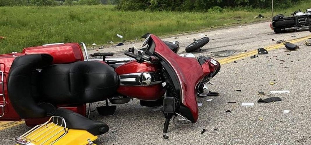 Dramatic. Un șofer din Câmpulung a intrat cu mașina în niște motocicliști