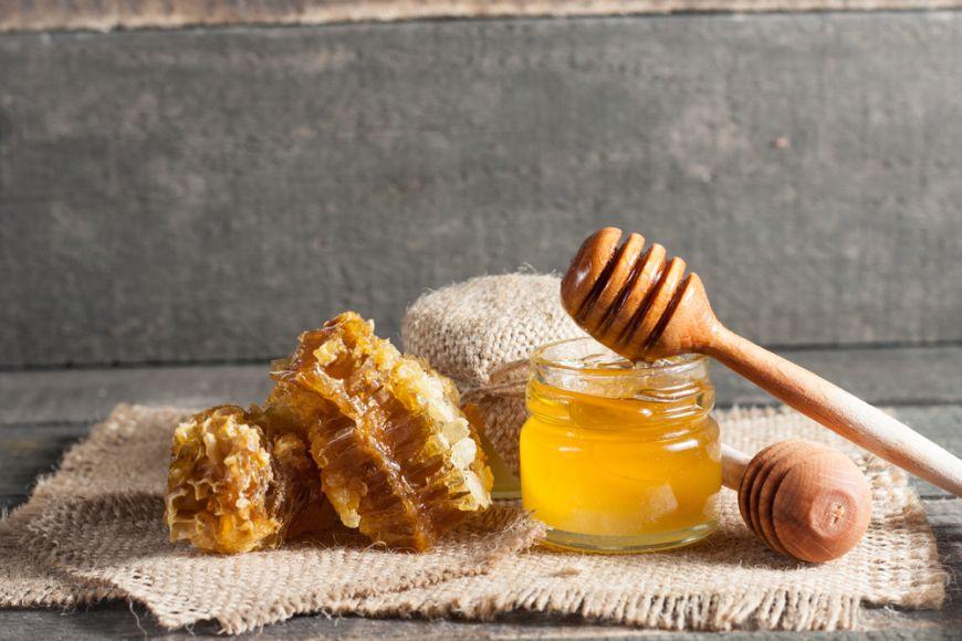 Un kilogram de miere costă...cât o mașină. Vezi ce are ea așa de special