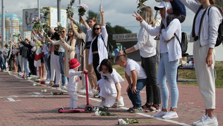 La Minsk lanţuri umane