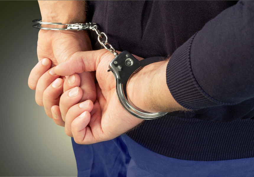 Un Bărbat reținut de poliție, în București, sub acuzația că ar fi vândut un autoturism de lux...furat din Germania