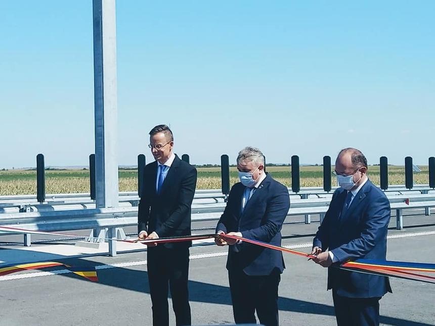 Autorităţile române şi cele maghiare au inaugurat punctul de trecere a frontierei Borş II estre amplasat pe autostrada A3 lotul Borş - Biharia