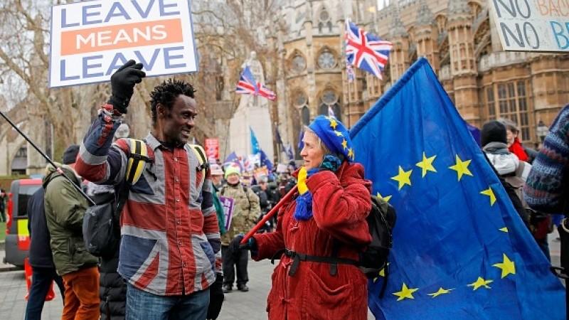 Politico: UE s-a văzut în situatia