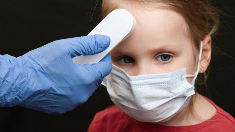 Descoperire halucinantă: Copiii pot avea în acelaşi timp şi anticorpi şi COVID