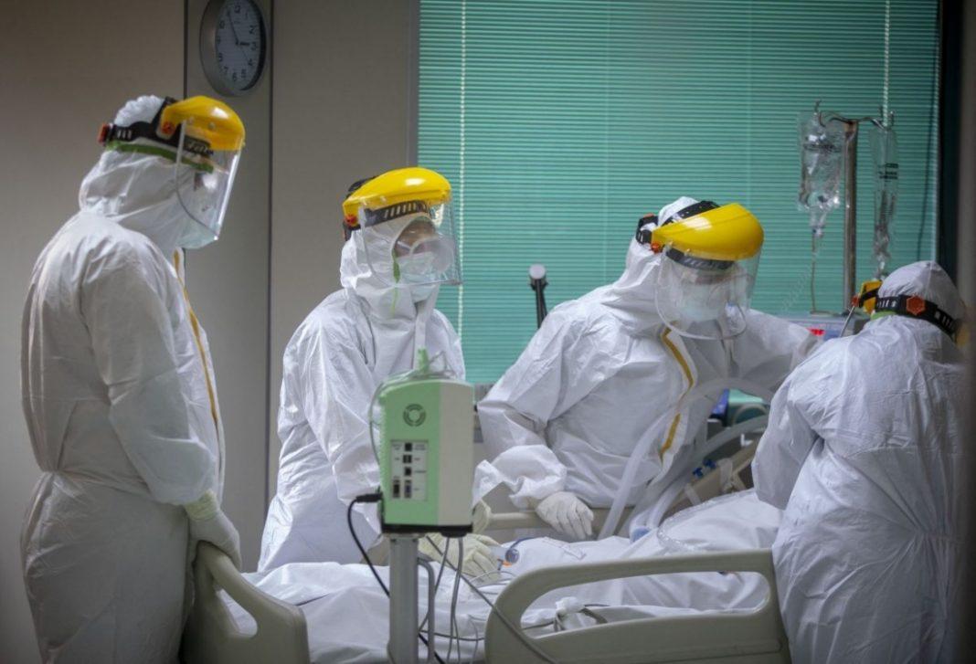 În spitale, bolnavii de COVID, intubați, sunt răpuși de infecțiile nosocomiale