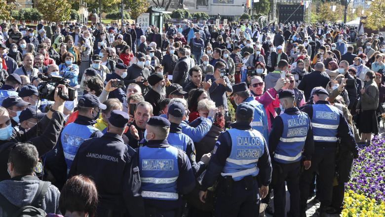 Marcel Vela a declarat că, la Iași, a fost o decizie operativă, nu că a cedat în fața presiunii pelerinilor