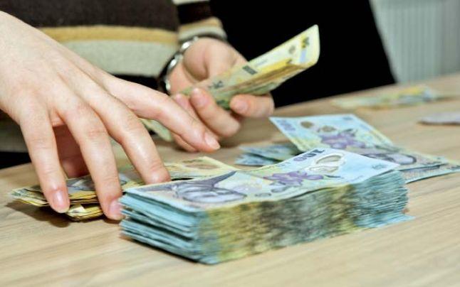 Noi creşteri salariale: Bugetarii vor primi o majorare de 15%