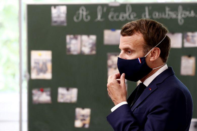 Macron apreciază că lupta cu COVID ar putea dura până la vară