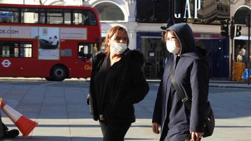 """La Londra se trece la nivelul de alertă """"ridicat"""" iar socializarea va fi interzisă"""