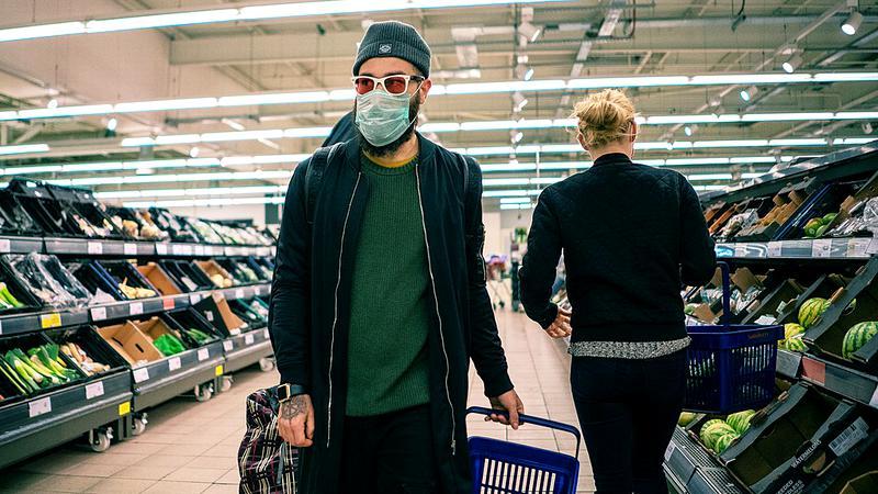 IT-iștii români au inventat aplicația care îți arata cine nu poartă masca