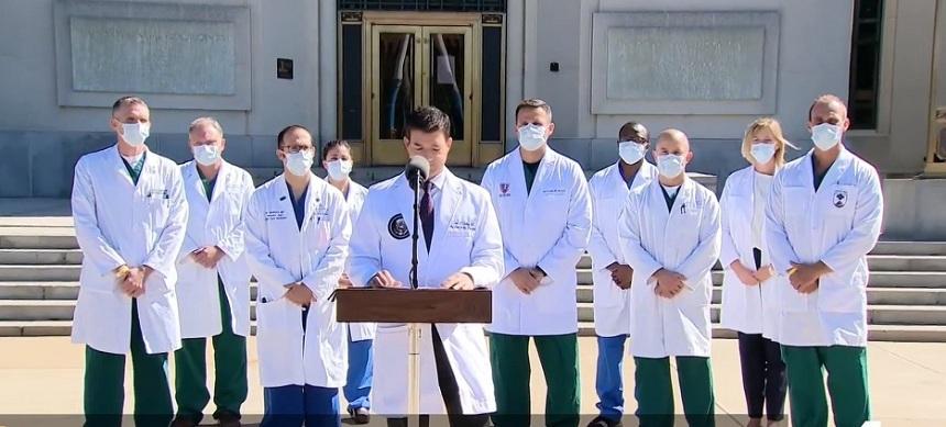 Donald Trump nu are nevoie de oxigen, nu mai are febră