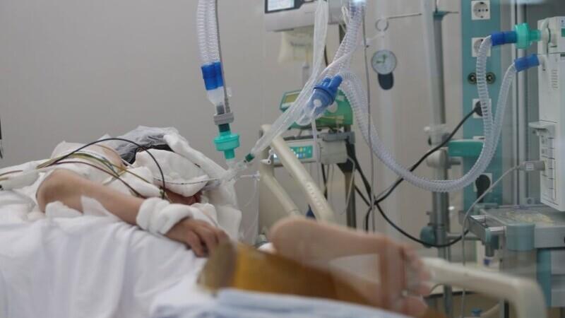 Bolnavii cronici ai României nu mai au loc în spitale
