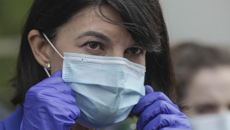 Ministerul Muncii Violeta Alexandru a decis în acest moment să efectueaze, plăţi pentru toate situaţiile în care, în baza avizului epidemiologic eliberată de DSP