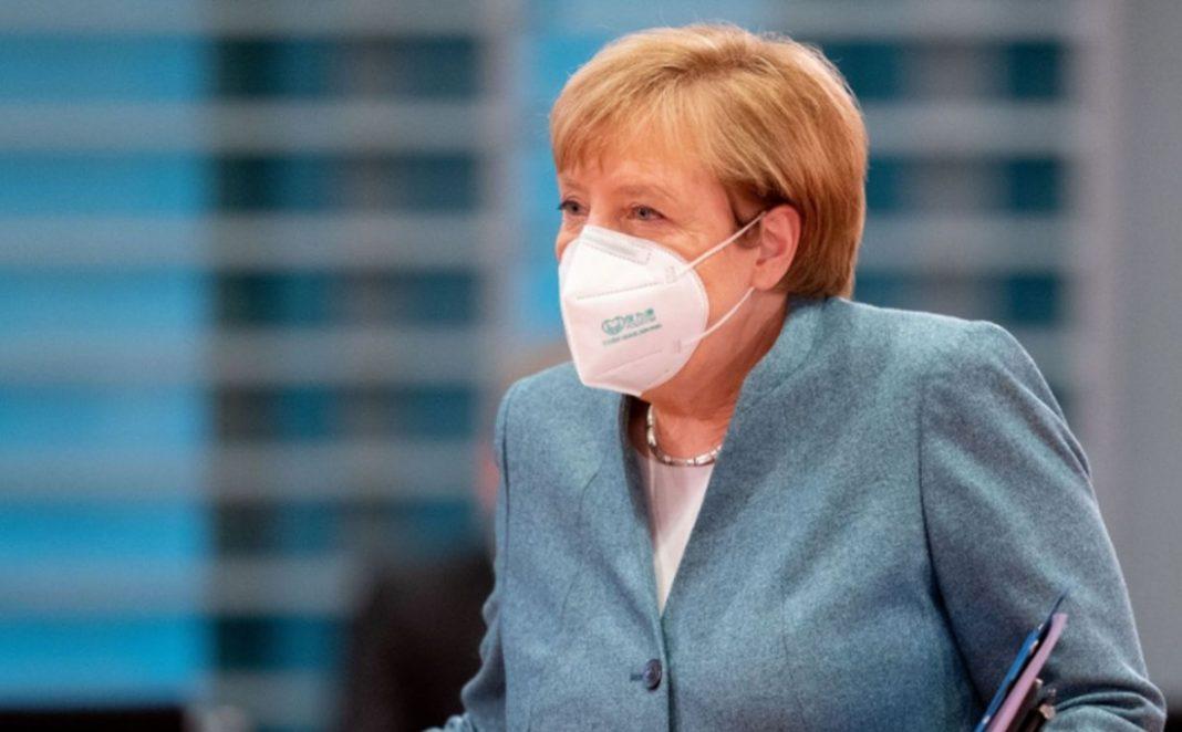 Merkel anunță că va menține restricțiile