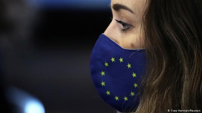 Europa s-ar putea confrunta cu al treilea val de COVID