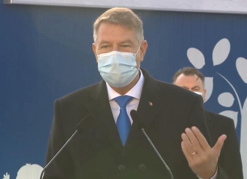 Iohannis spune că se văd primele rezultate ale carantinărilor: Numărul infectiilor începe să scadă