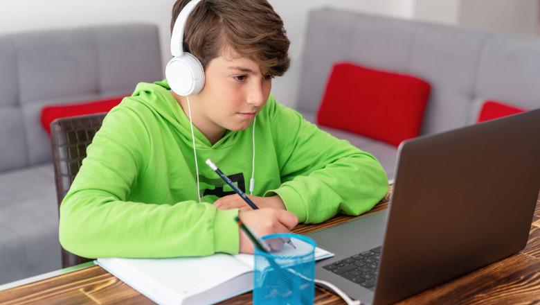 CNSU a decis prelungirea invățământului