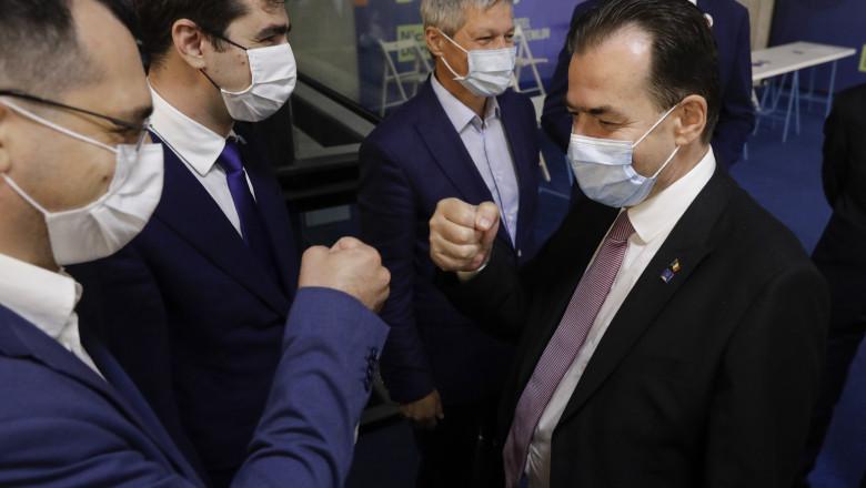 negociatorii care vor împărți sâmbătă puterea