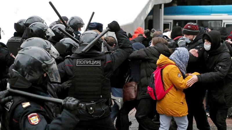 Statele Unite condamnă reprimarea violentă