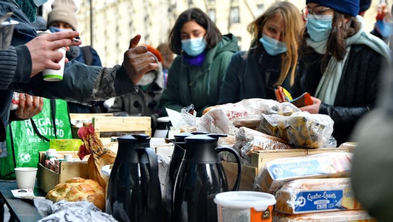 Studenţii au luat cu asalt restaurantele din Franța cu meniuri de 1 euro