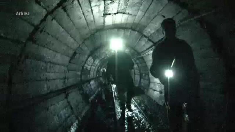 Peste 200 de mineri, blocați în subteran, la Lupeni