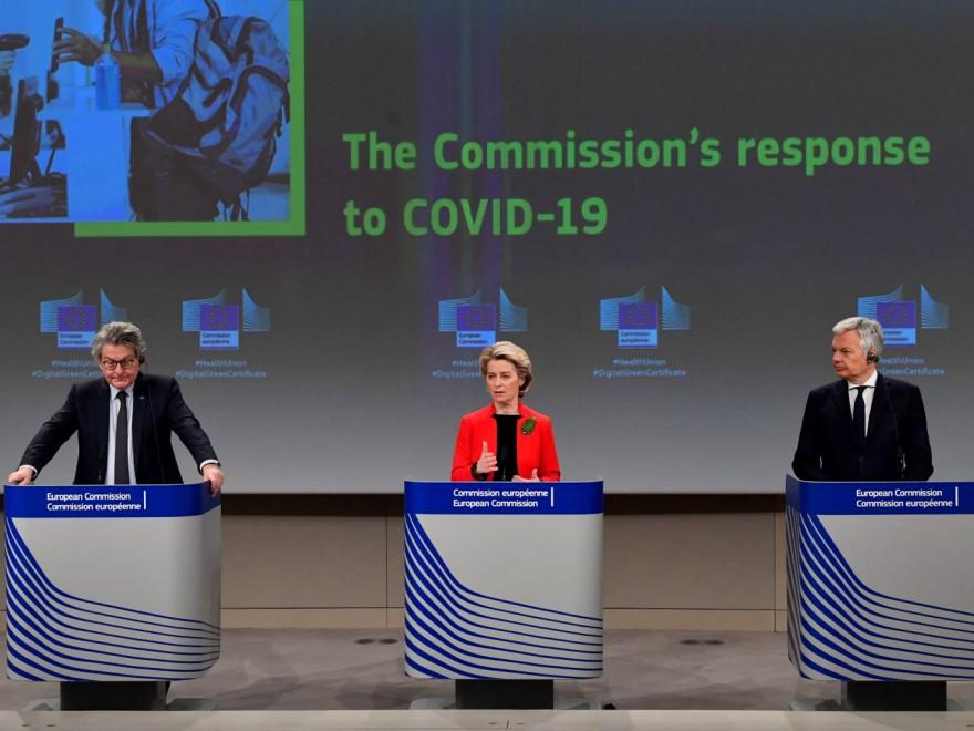 Comisia Europeană vrea să salveze turismul prin certificatul verde