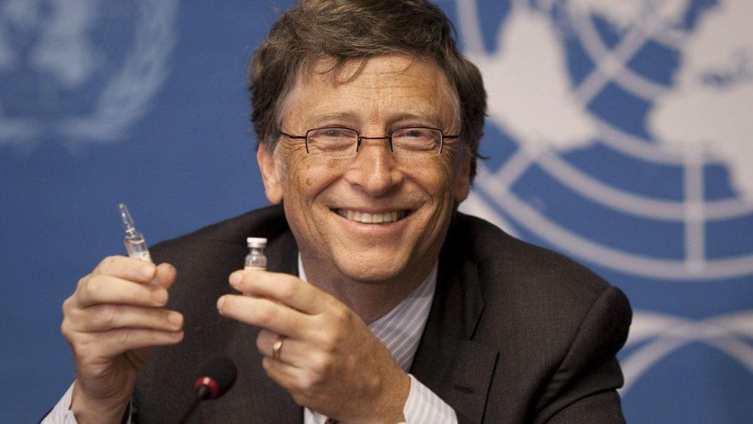 Bill Gates spune că a purta mască este la fel cu a purta pantaloni