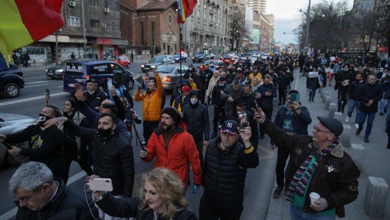 jandarmii, atacați cu pietre în Piața Unirii