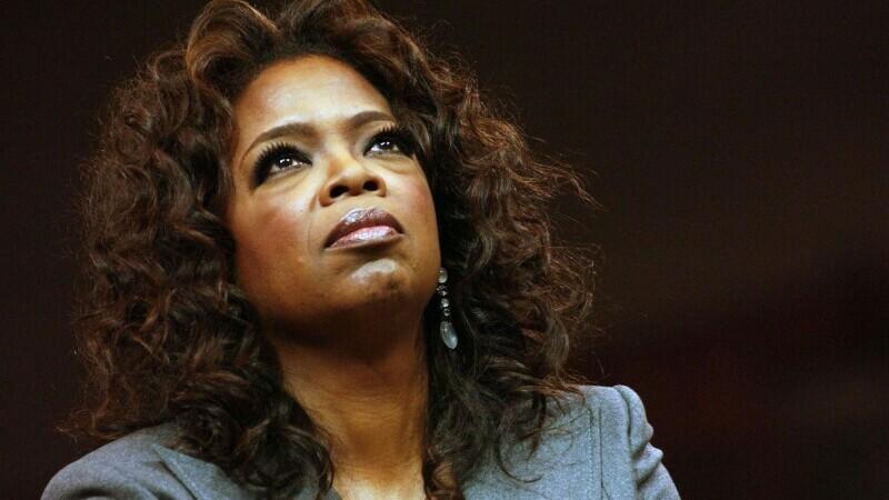 Oprah susţine că nici Regina nici Printul Philip nu au purtat discuţii despre culoare pielii lui Archie