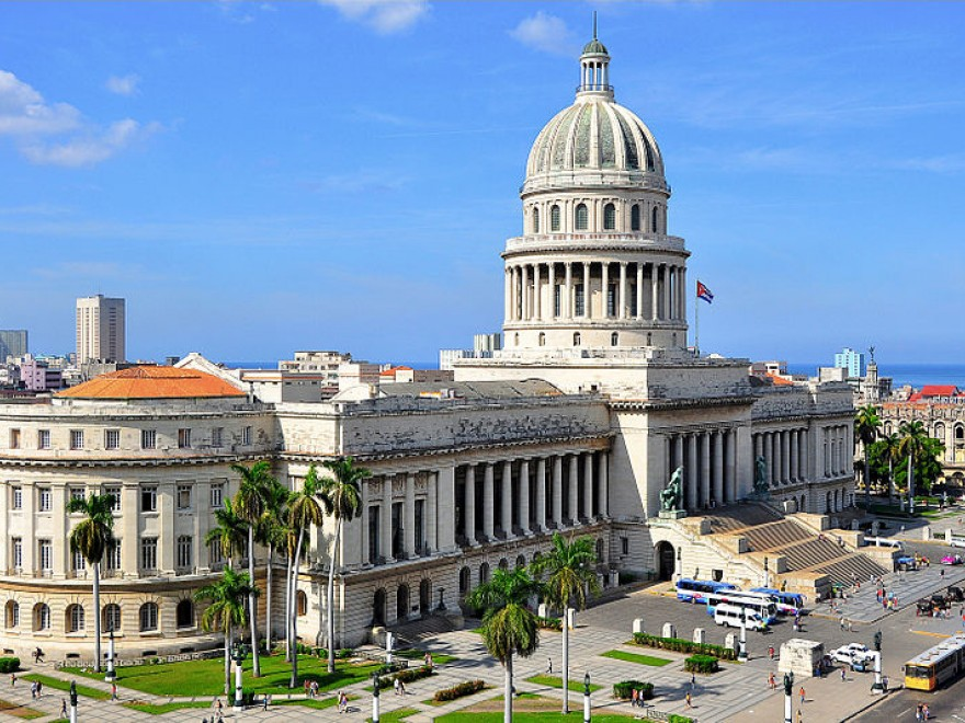 Cuba are în lucru 4 vaccinuri anti COVID
