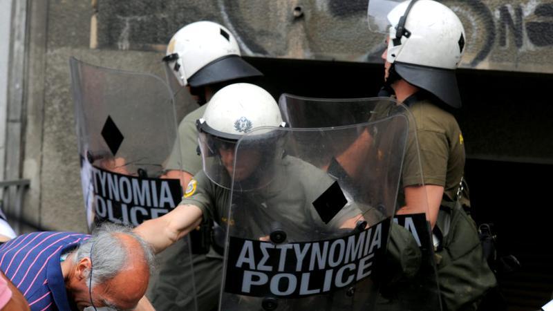 Grecia, zguduită de proteste violente!