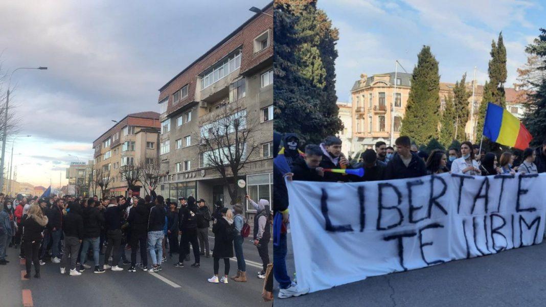 proteste au loc în România