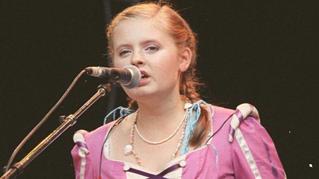 "Barby Kelly, fosta componentă a trupei ""The Kelly Family"", a murit la 45 de ani"