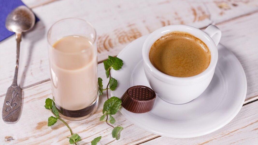 Câtă cafea ar trebui să bei pe zi ca să aveţi beneficii şi de la ce cantitate în sus dăunează