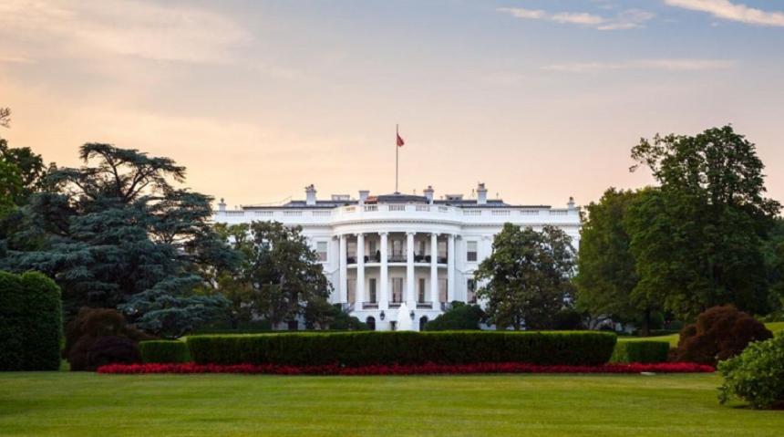 Oficialii Casei Albe anunță că SUA este la un pas de a avea COVID-ul sub control