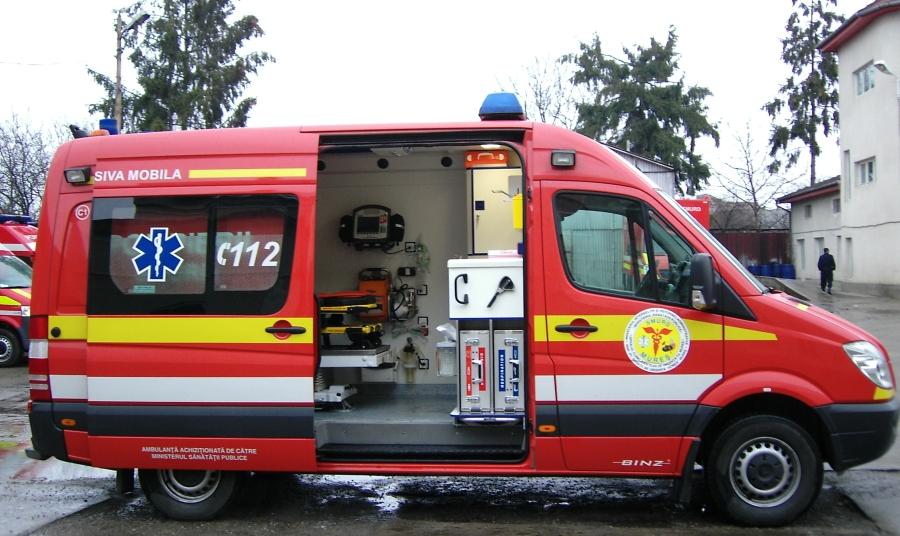 Copil de 4 ani, căzut de la etaj, aflat în strare gravă și adus de la Pitești la București