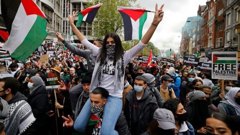 Mii de persoane au manifestat în centrul Londrei în sprijinul poporului palestinian