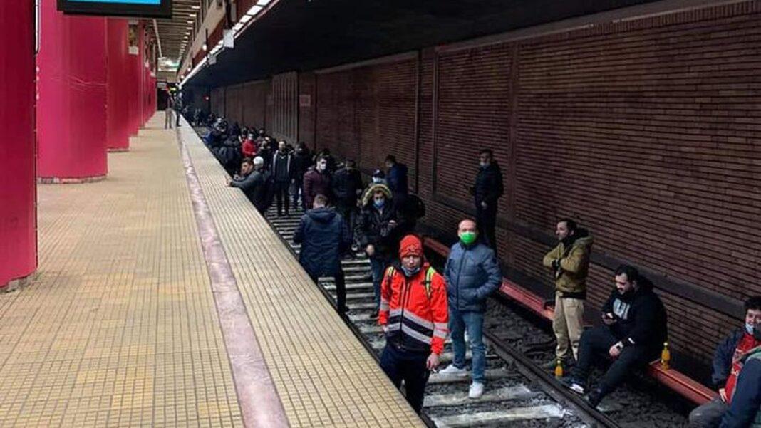 Angajaţii de la metrou