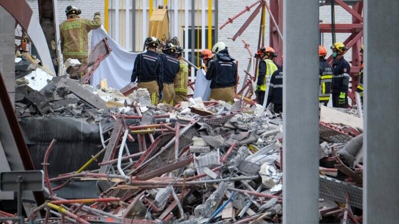 Clădirea din Belgia care s-a prăbușit și a ucis 2 români
