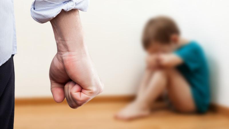 Cei care nu raportează abuzurile asupra minorilor riscă închisoarea